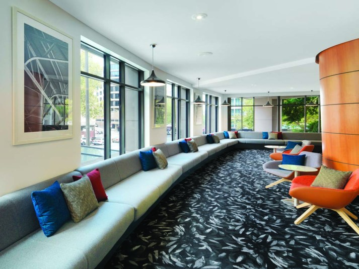 Travelodge Sydney lounge area