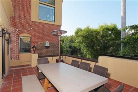 2700 Glendower, Dining Terrace off kitchen, Image courtesy Redfin 2014