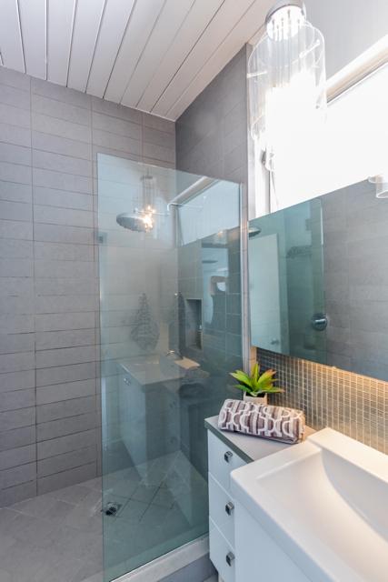 203 N. Monterey Road master bathroom after renovation