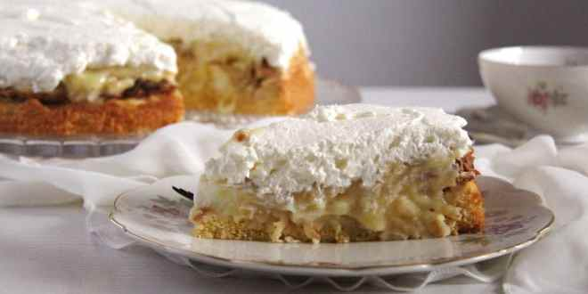 Apple Almond Cream Cake
