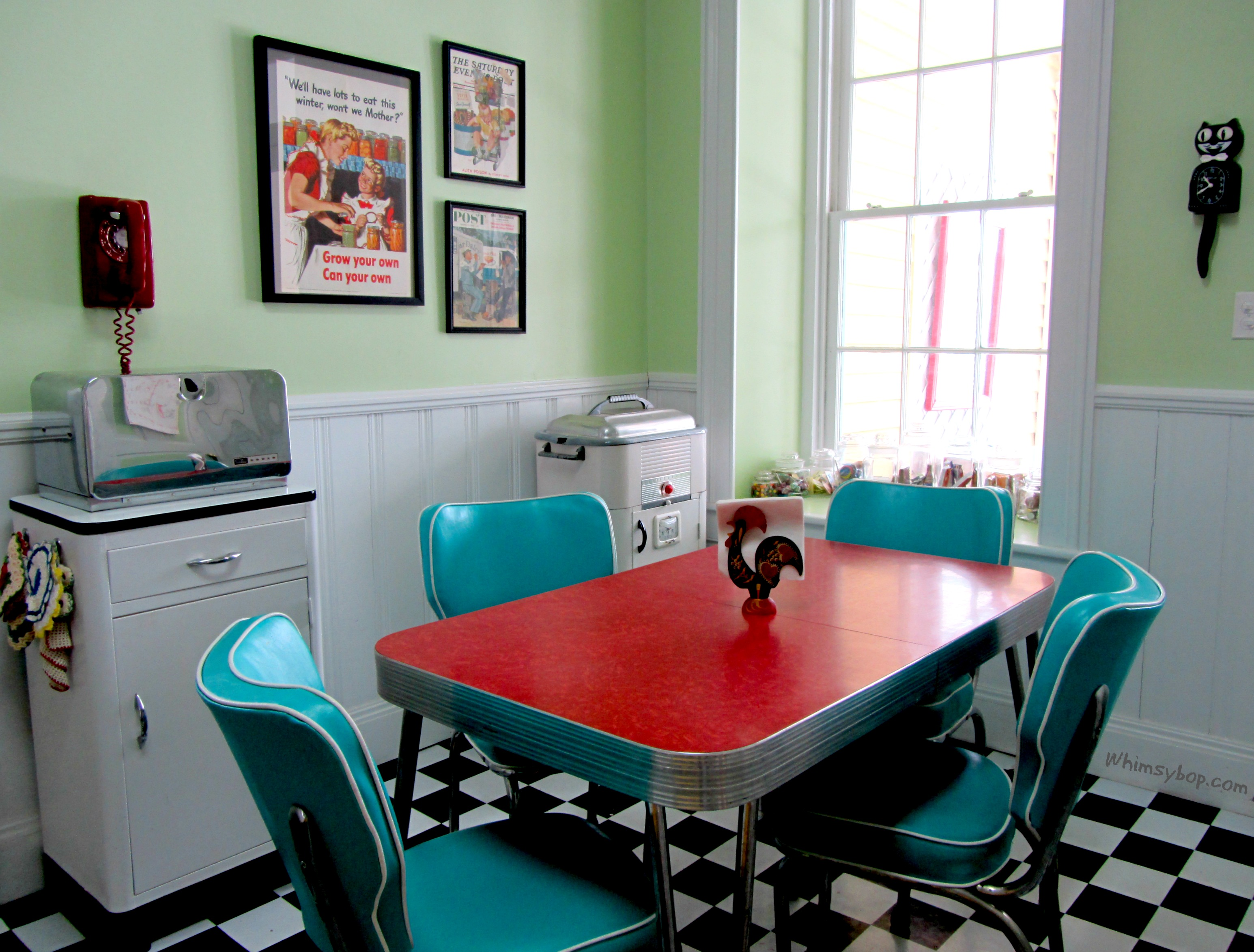 Thereu0027s Nothing Like A Bright Red Formica Table To Welcome Back Door  Friends Into My Kitchen. I Adore These Old Dinette Sets From Days Gone By  And Iu0027m Drawn ...
