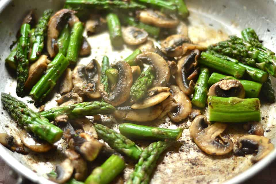 Sauteed Chicken With Asparagus And Mushrooms Recipe Dishmaps