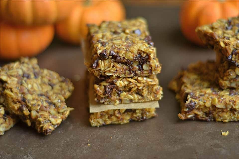 pumpkin-chocolate-chip-granola-bars