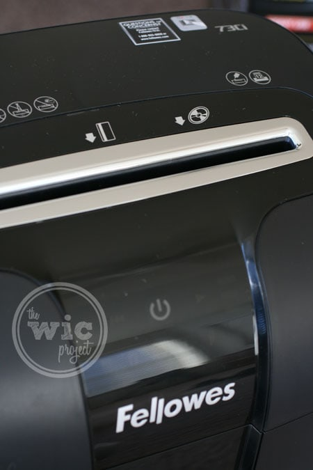http://i2.wp.com/www.wicproject.com/images/2014/01/fellowes-73ci-paper-shredder-slot.jpg?resize=450%2C675