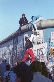 RIAN_archive_475738_Berlin_Wall