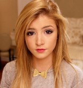 Chrissy Costanza Bio, Wiki,  Married, Age, Height, Net worth, Boyfriend, Dating, Affairs