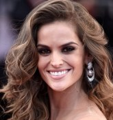 Izabel Goulart Bio, Wiki, Age, Height, Married, Boyfriend, Dating, Parents, Ethnicity, Net Worth