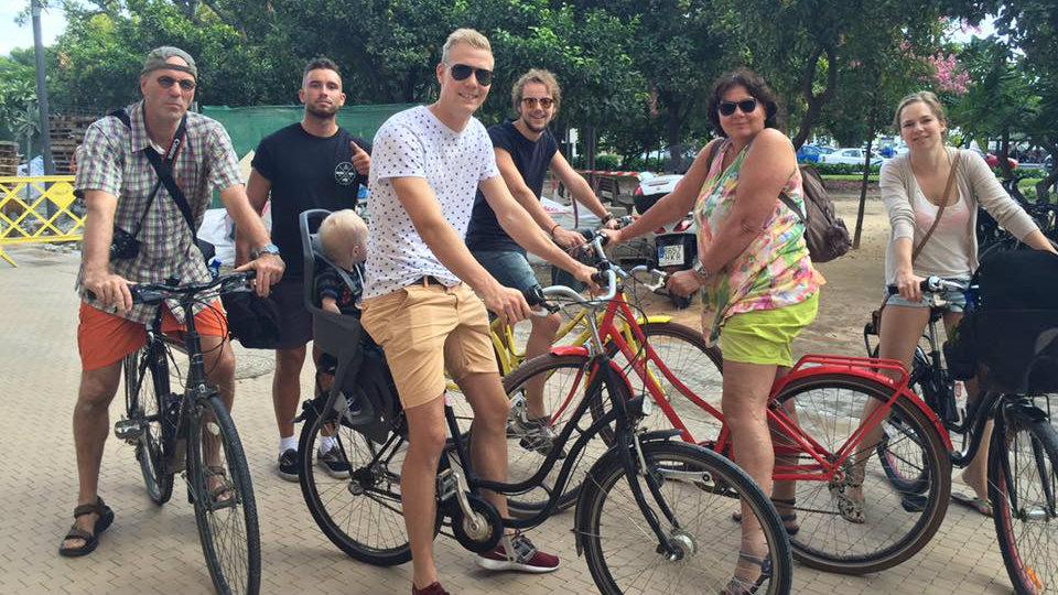 Met Een Nederlandse Gids Op De Fiets Málaga Ontdekken