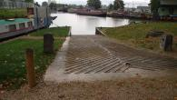 Good slipway , port office told me no charge. Parking possible at boat yard on other side of canal