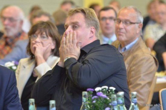 """Lars Thomsen: """"Es 'poppt' bald!"""" - Forum E-Mobilität zum Auftakt der Messe in Schwalmstadt-Ziegenhain"""