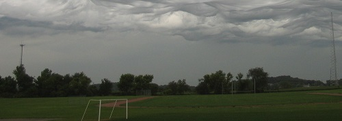 Rare cloud waves over Iowa
