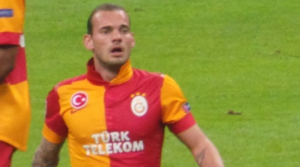 Sneijder decided to snub the advances of Manchester United