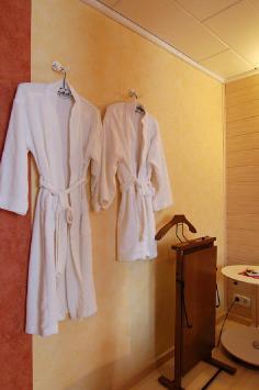 Wirtzfeld Valley Bedroom b14