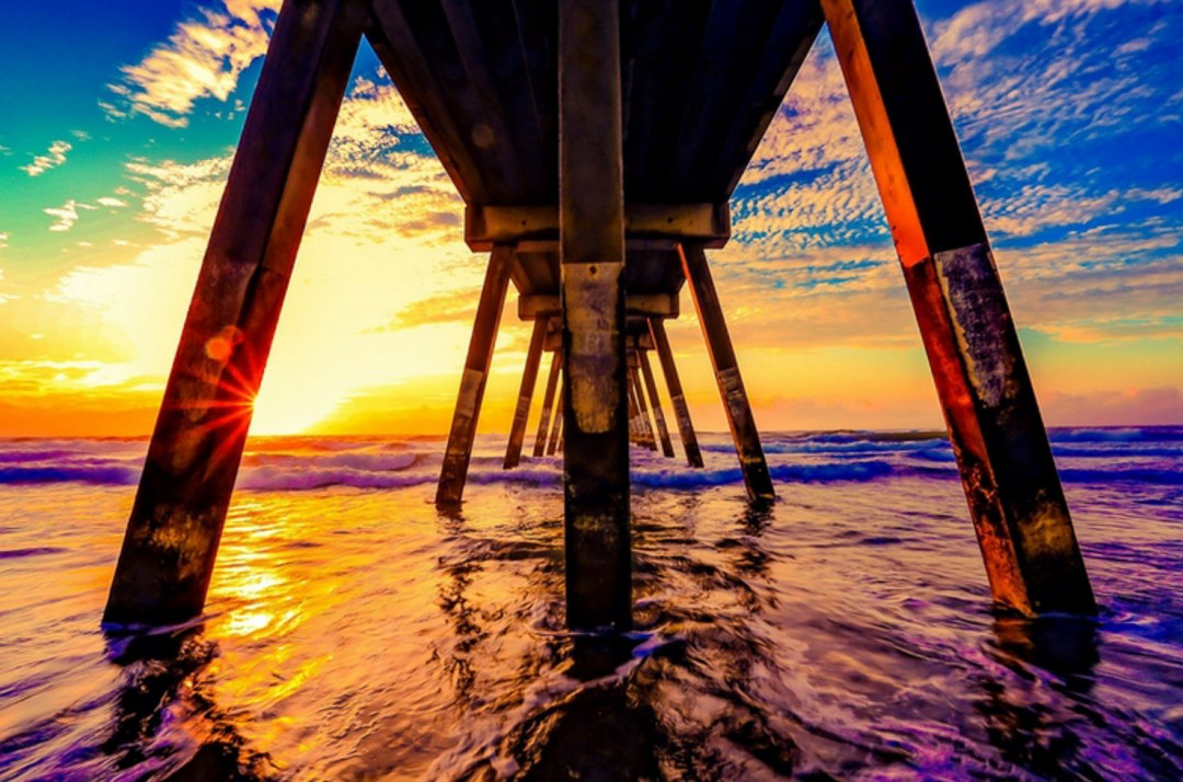 taking-pause-sunset-at-the-pier-reflecting-on-loss