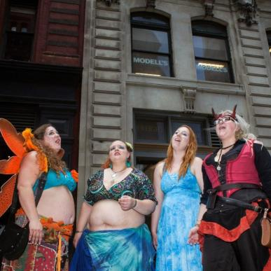photos-of-the-witches-at-witchs-fest-2015-body-image-1436837419