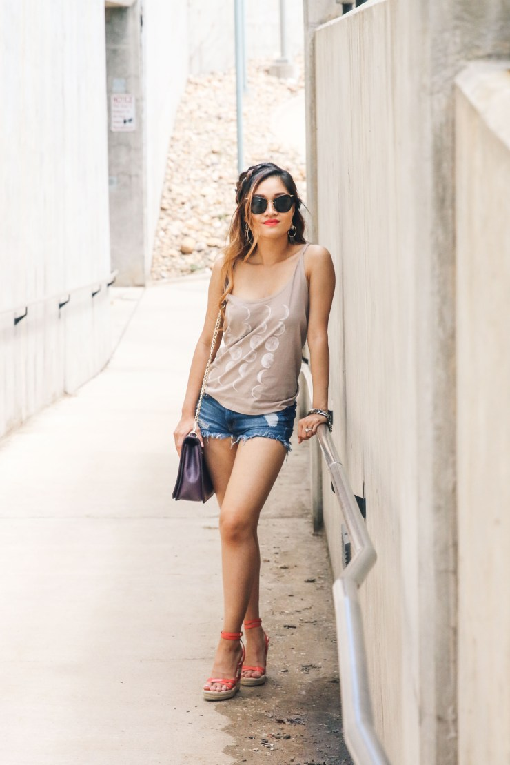 How to dress up a tank top