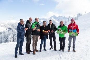 Gottlieb Stocker, Bgm. Jürgen Winter, Dir. Georg Bliem, Manfred Hohensinner, Andreas Gabalier, Erich Neuhold und Paul Gerstgraser, ©Dominik Steiner
