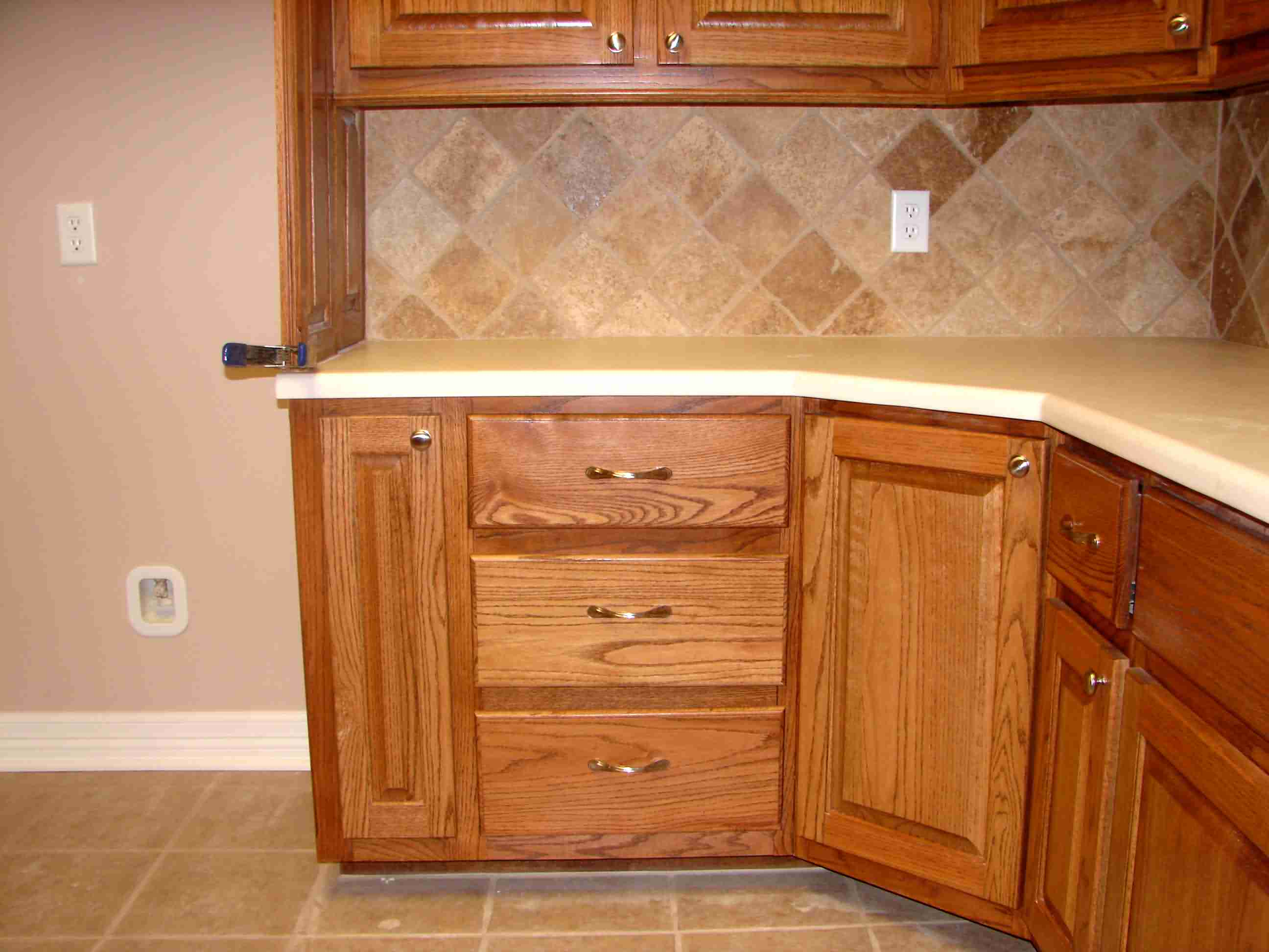 Corner Cabinet Ideas kitchen base cabinets Click here for full size image