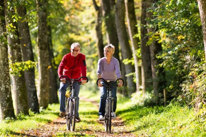 man-and-woman-exercising