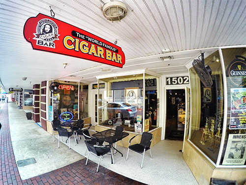 Downtown-Fort-Myers-Cigar-Bar