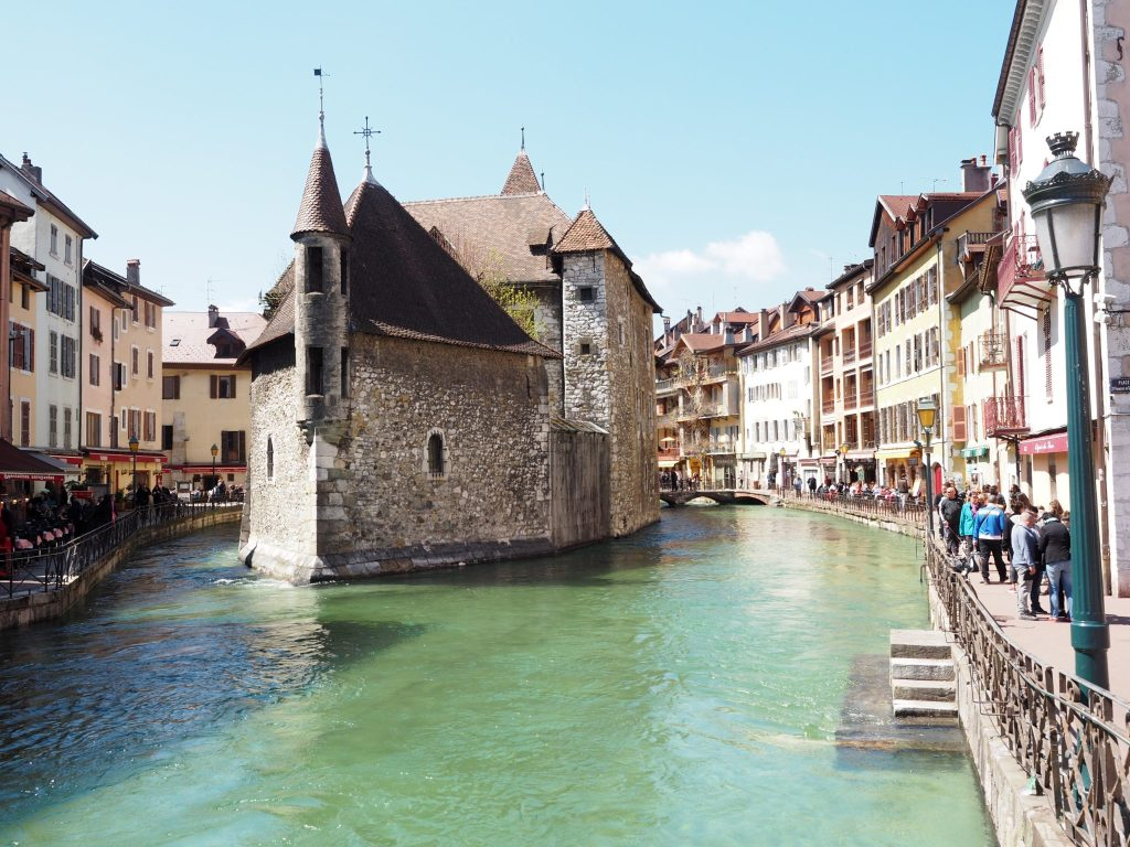 Annecy_France_Fair_Tale_Towns_Europe