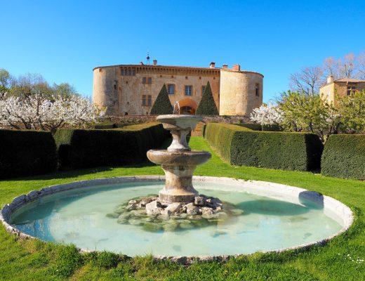 Chateau de Bagnols   World of Wanderlust
