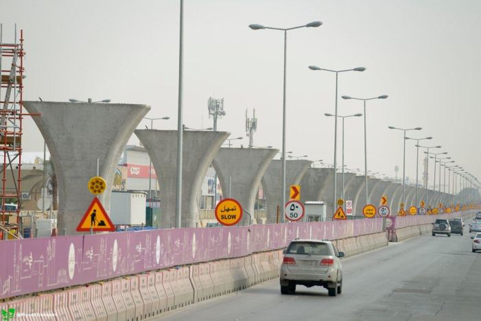 Saudi weighs paying contractors with IOUs as oil slump continues