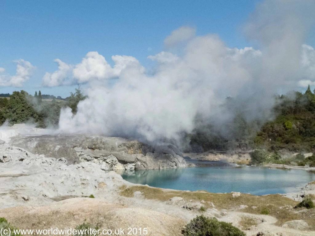 Hot springs of Whakarewarewa, New Zealand - www.worldwidewriter.co.uk