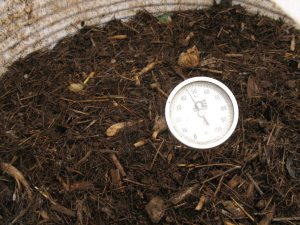 Temperature measurement 6881950091 300x225 Regulating Temperature in a Worm Bin