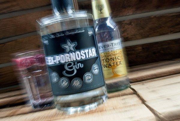 Ex-Pornostar Gin-Tonic