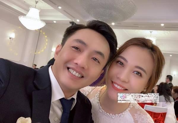 Cuối cùng sau hơn 1 năm hẹn hò, Cường Đôla đã chính thức đi hỏi cưới Đàm Thu Trang.