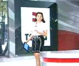 Η Πόπη Τσαπανίδου με iPad στην εκπομπή της