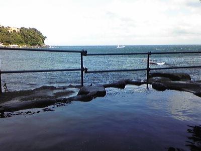 赤沢海岸の温泉