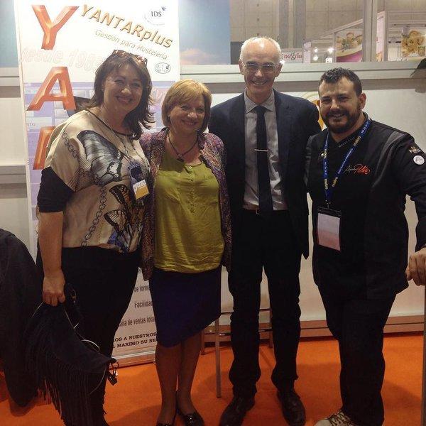 Alejandro platero, Vicky y Yantar