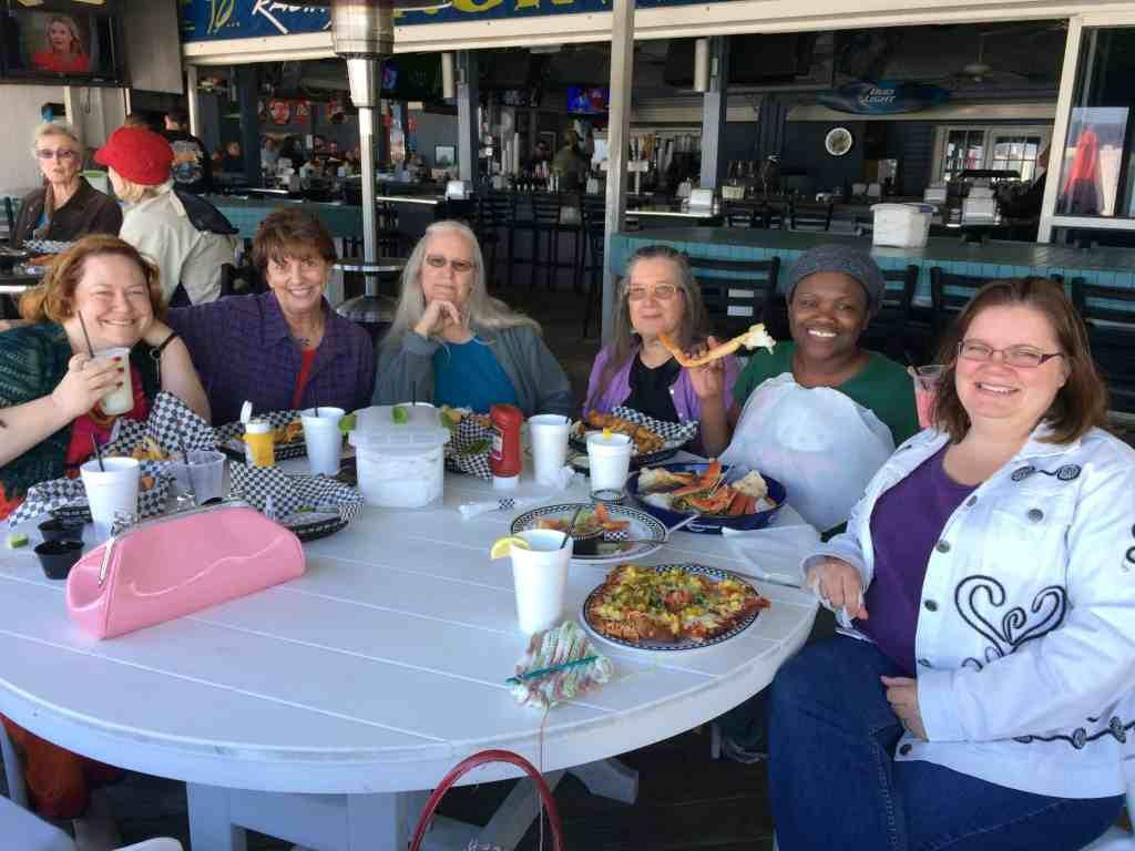 Lunch on Sunday. l to r: Lorelle, Fredi, Dawn, Nancy, Shellee, me.