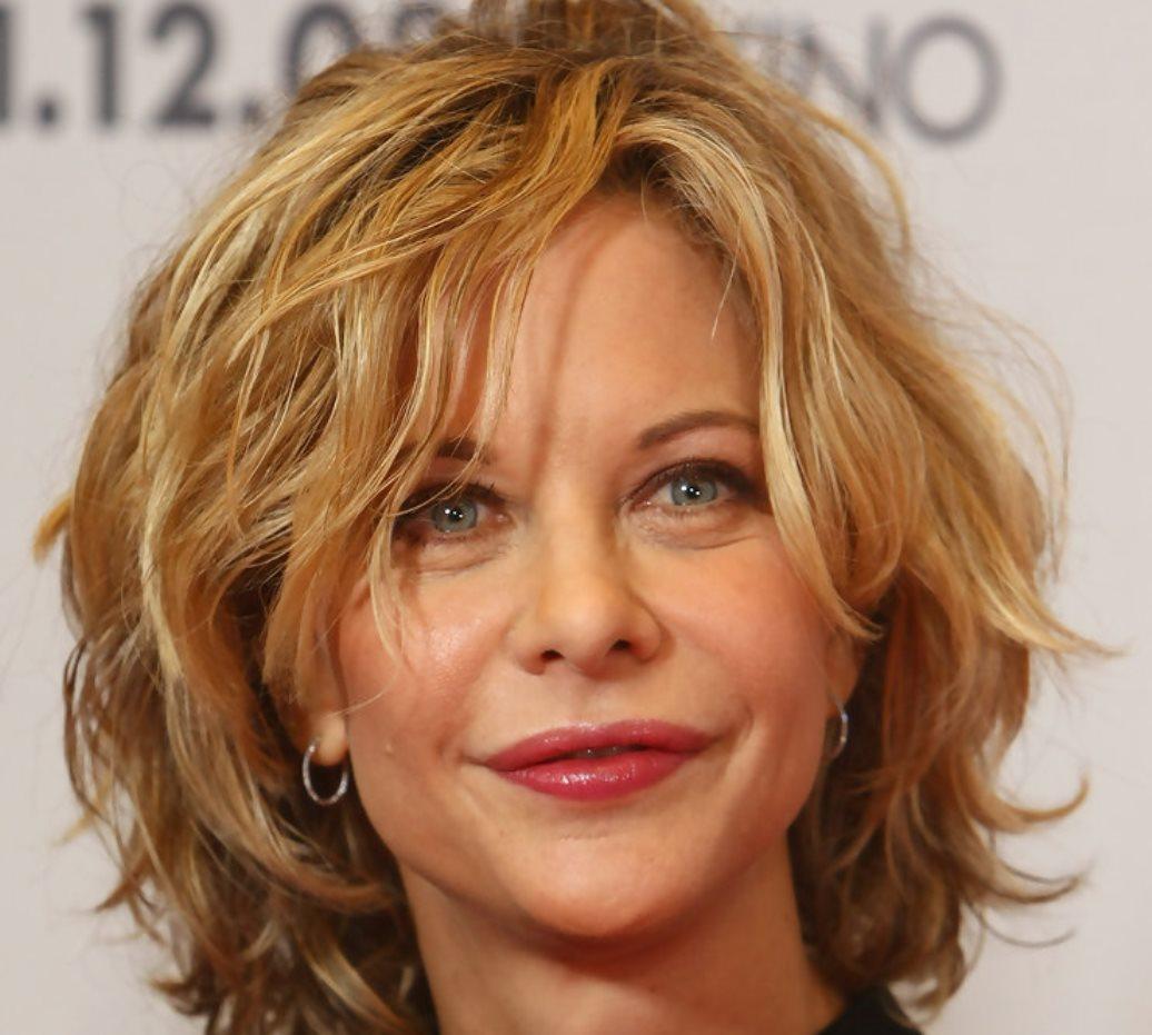 Причёски на средние волосы для женщин 40 лет с круглым лицом