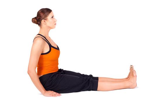 Dandasana postura del bast n yogateca - Inicio yoga en casa ...