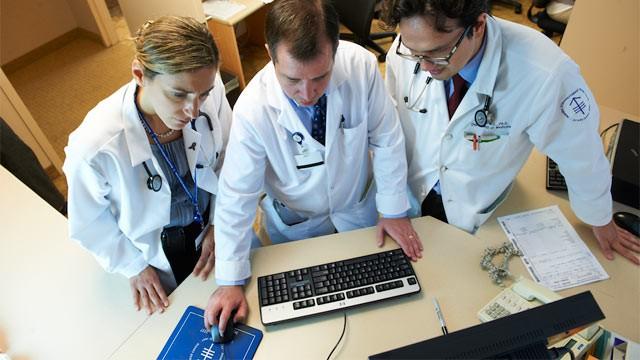 ht_ibm_doctors_computer_wy_120322_wg
