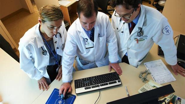 ht_ibm_doctors_computer_wy_120322_wmain