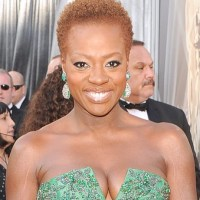 Viola Davis Ditches Her Signature Wig & Lets Her Mom Create Her Oscars Hairstyle