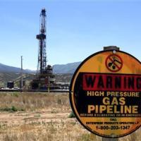 Insight: As Congress looks away, U.S. tiptoes toward exporting a gas bounty