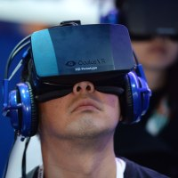 Facebook, Apple, Google eye virtual reality