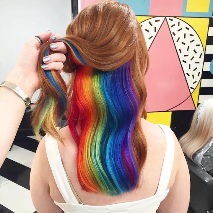 Фото причёски цветные пряди