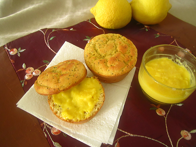 03_lemon_curd_muffin_sliced