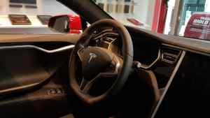 Tesla Model S_Interni (17)