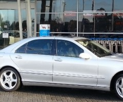 Airport Transfer – Luxury Mercedes Benz sedan