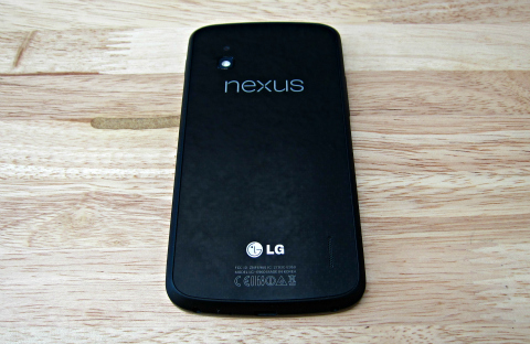 nexus4_rear1