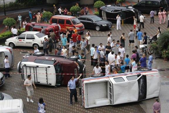 Coches de marcas japonesas (Honda, Nissan...) son destrozados en la ciudad de Shenzhen.