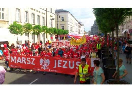 Marsz_dla_Jezusa-002-2014-05-27-_-13_03_28-80