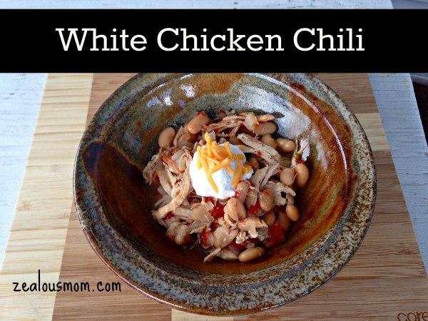 White Chicken Chili-simple and easy recipe that everyone in the family will enjoy @zealousmom.com #chili